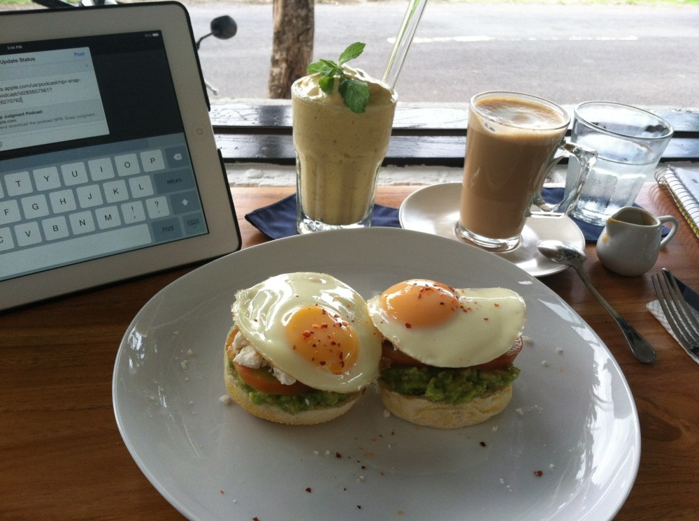 Changing it up and trying something new...thank you for the recommendation Anna & Iila. Jabulani Cafe is divine. ~in Canggu, Bali - Indonesia~
